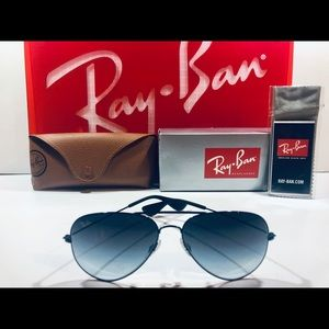 Ray-Ban Aviator Sunglasses Black; Gray Gradient 58